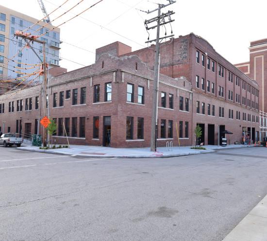 Exterior Crossroads Hotel