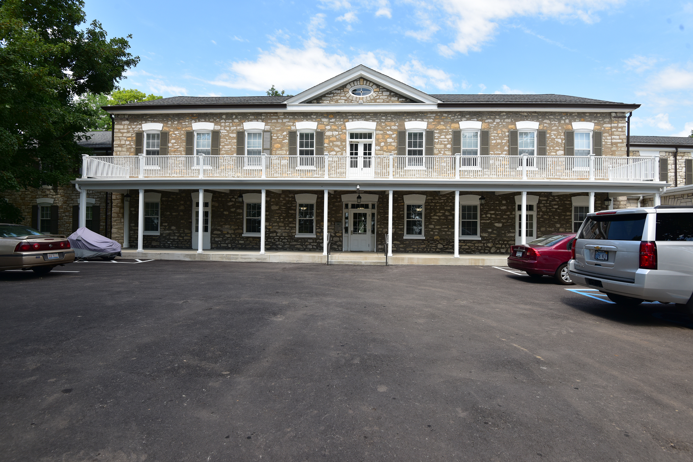 Charless Place Exterior